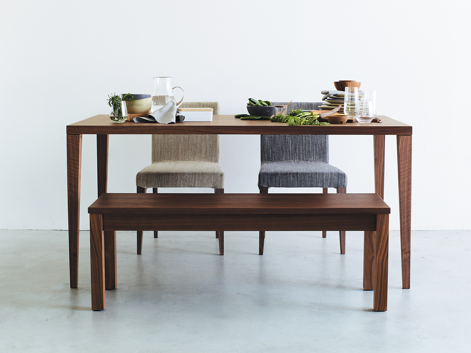 FB-DINING-TABLE_01